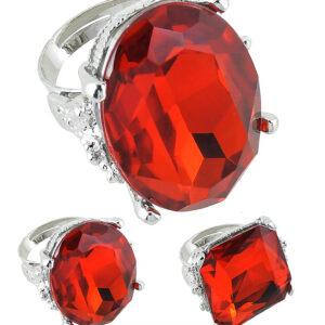 Ring mit rotem Stein